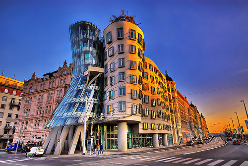 Dancing Building (Prague, Czech Republic) | Consider ...