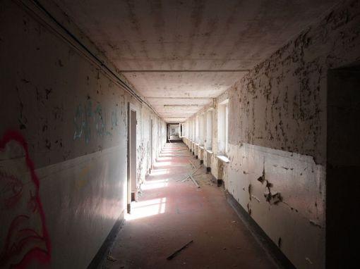corridor-inside-prora