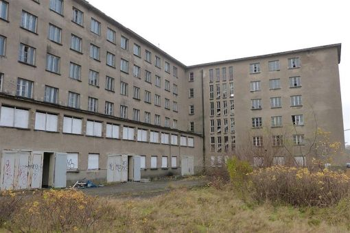prora-side-view